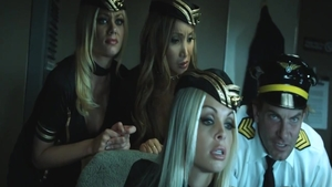 Threesome in company with very sexy girl Riley Steele