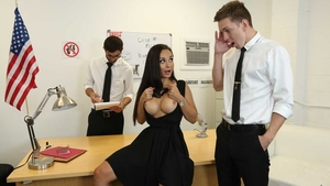 Russian brunette Crystal Rush goes for MMF