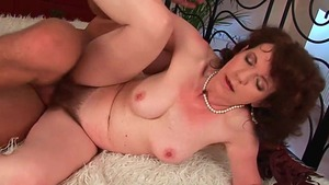 Hairy pussy GILF gets a buzz out of good fucking in HD