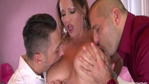 Big ass brunette Victoria Daniels has a thing for deepthroat