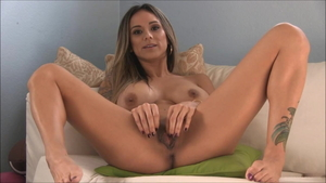 Fingering along with american girl Nadia Styles