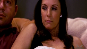 Attractive Egyptian MILF India Summer have sex with Chad White