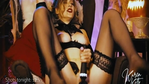 Very hawt vampire in sexy stockings blowjobs solo