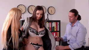 Teen chick Lucie Wilde threesome