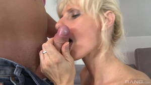 Saggy tits and young blonde hair raw sucking dick