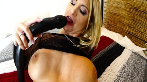 Daisy Monroe with Steve Holmes erotic getting facial