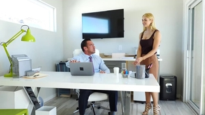 Trimmed pornstar in stockings ass fuck 69 in office HD