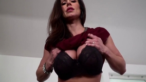Kendra Lust pussy eating