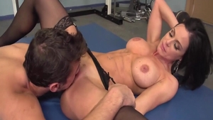 Busty MILF Kendra Lust rushes getting a facial