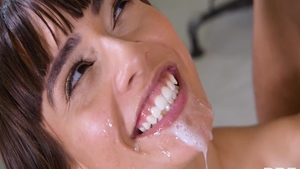 Big ass brunette Janice Griffith feels like the best sex