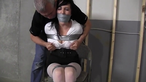 MILF gets a buzz out of bondage HD
