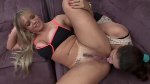 Amateur Angel Lima pussy licking