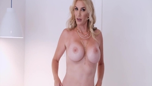 Hot stepmom Lexi Sapphire gets a buzz out of loud sex in HD