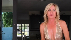 Incredible american MILF extreme pussy fucking