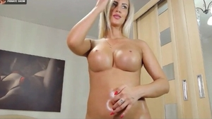 Super sexy german MILF oily ass fingering HD