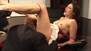 Hawt stepmom gets a buzz out of hard pounding in HD