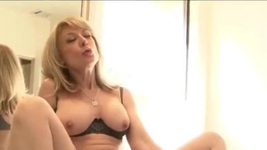 Large boobs babe wishes for raw sex in HD