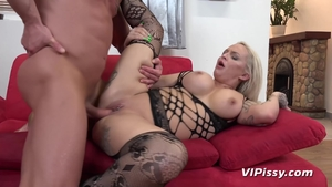 Booty blonde babe likes nailed rough in sexy stockings HD