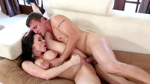 Lustful mature Kendra Lust feels in need of nailed rough