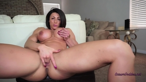 Hardcore sex with muscled female