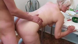 Raw sex alongside young russian mature