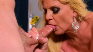 Saggy tits blonde babe helps with sex scene in HD