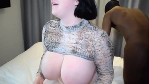 Chubby BBW Hindi Harmony Reigns orgasm