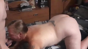 Hard slamming in company with chubby amateur