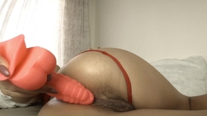 Big butt amateur masturbation with dildo