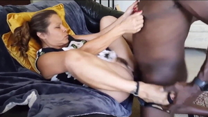 American mature really likes brutal squirt in HD