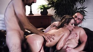 Big ass blonde Aiden Ashley helps with threesome