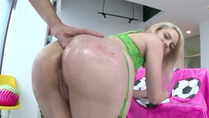 Lisey Sweet got her pussy pounded