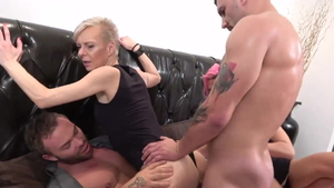 Czech swinger Belinda Bee double penetration in HD