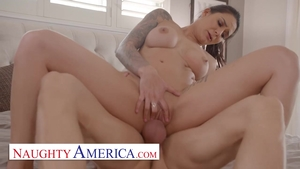 Babe Alexis Zara handjob video