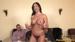 Jewels Jade is a huge boobs mature