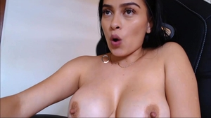 Pussy eating live on cam big ass latina