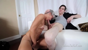Hard fucking escorted by young stepmom