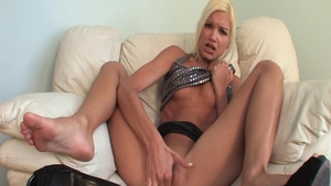 Franziska Facella masturbating video